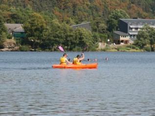 canoe sur lac